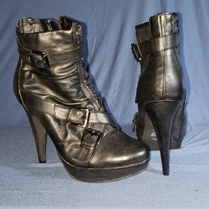 Size 8 Guess Boots